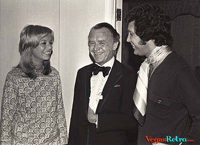 Tom Jones & actor John Mills at Las Vegas Party