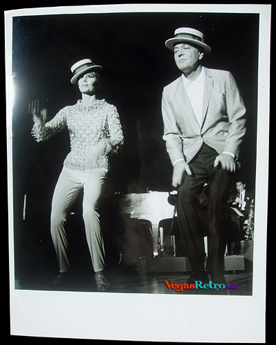 Image of Florence Henderson & Gordon MacRae dancing on stage in Las Vegas