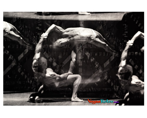 Photo of acrobatic performers David & Goliath